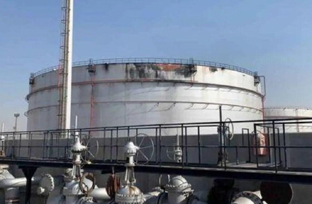 براثر حمله موشکی یمن بخش توزیع سوخت آرامکو تعطیل شد